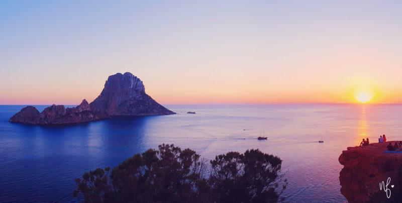 Ausblick auf Es Vedra und den Sonnenuntergang auf Ibiza
