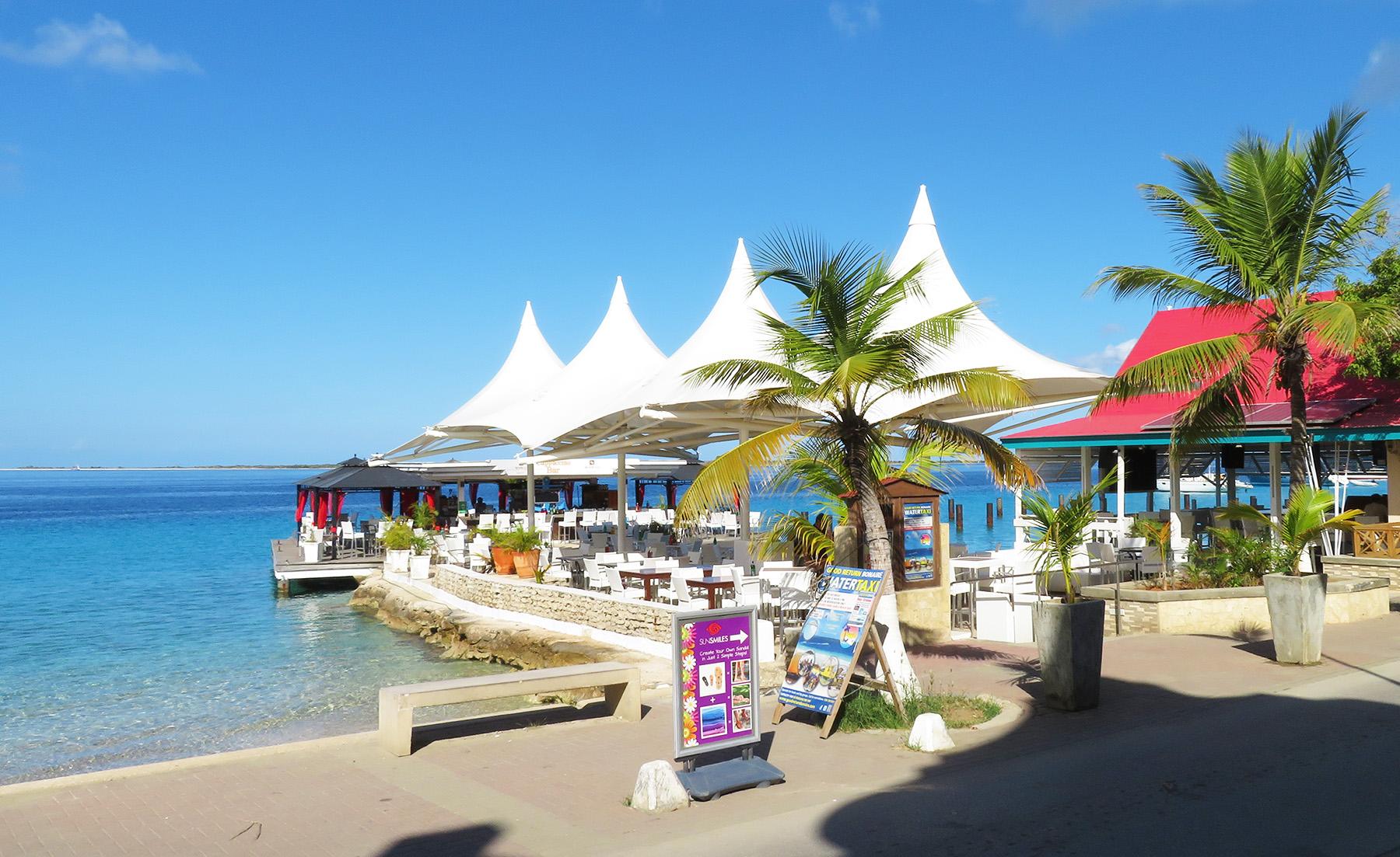 Karibik Kreuzfahrt Bonaire Hafen Cafe