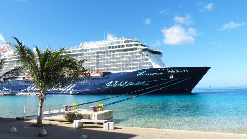 TUI Mein Schiff 5 Bonaire Hafen Karibik Kreuzfahrt