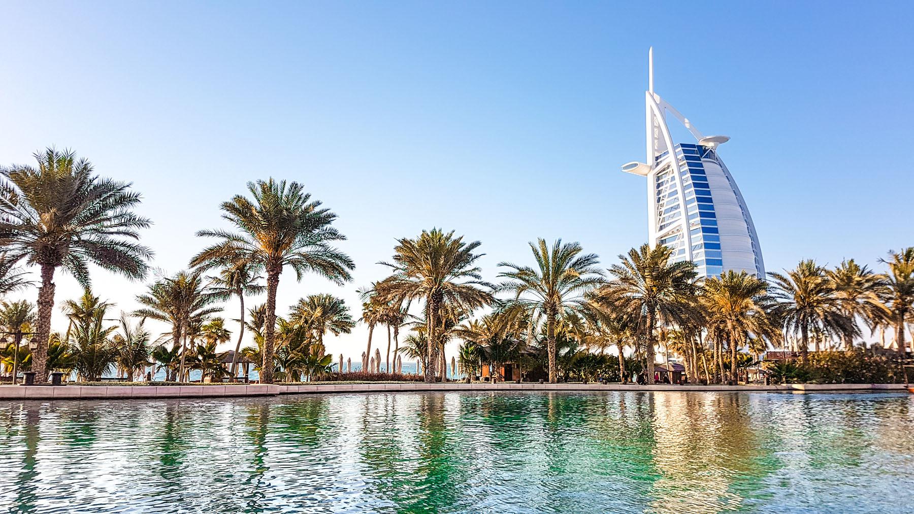 Dubai Burj al Arab Madinat Jumeirah Dau