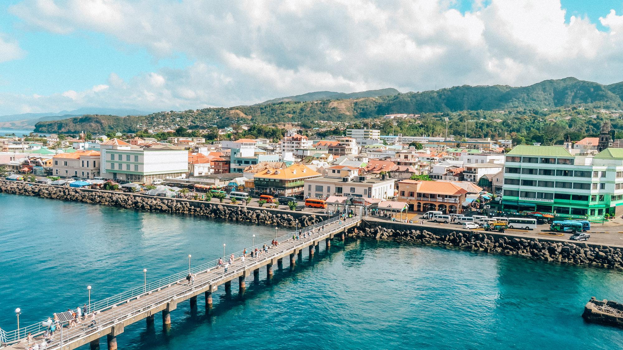 Dominica Karibik Kreuzfahrt Roseau Hafen