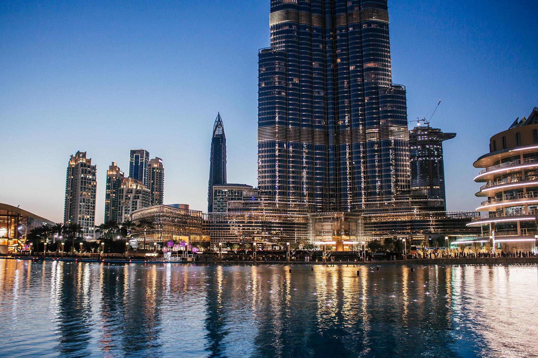 Orient Kreuzfahrt Dubai Fountain Burj Khalifa