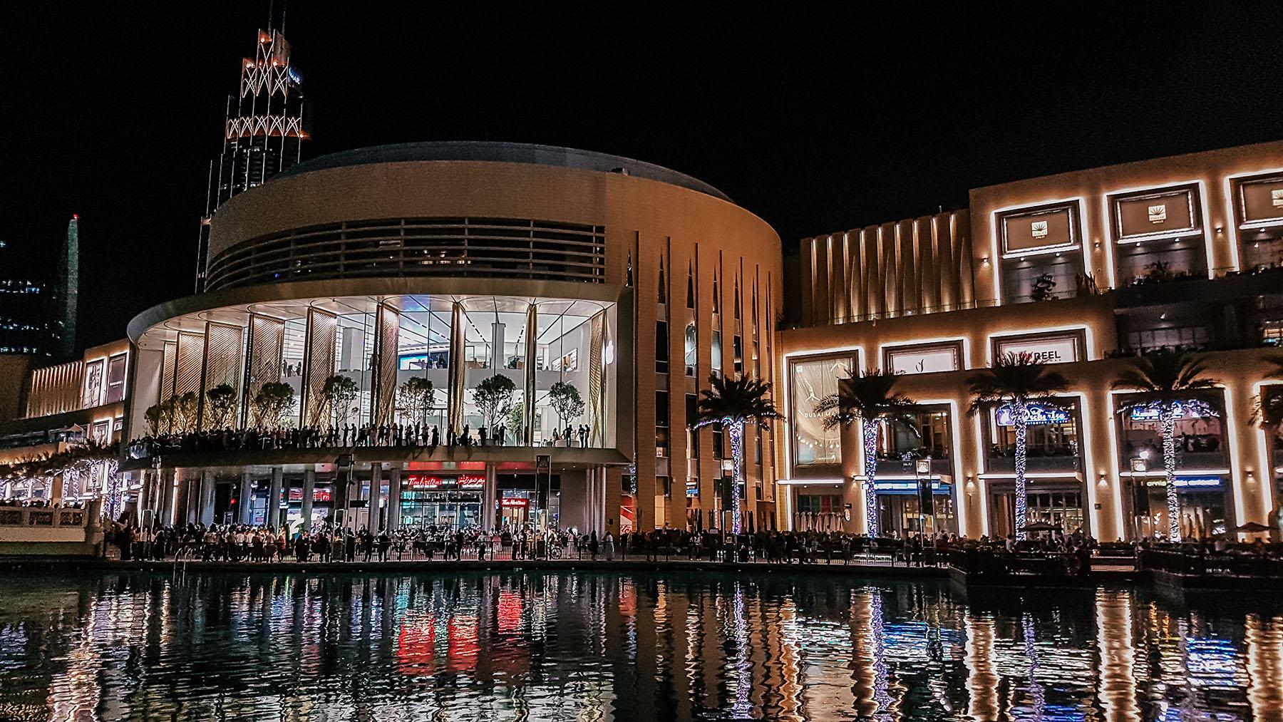 Orient Kreuzfahrt Dubai Mall bei Nacht