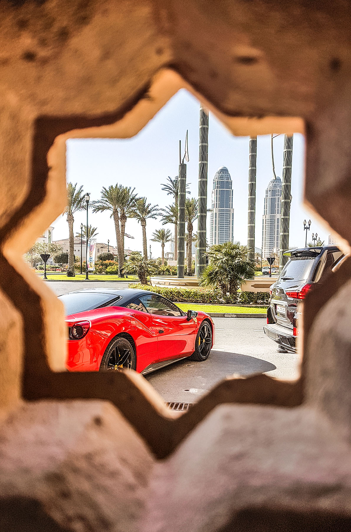 Orient Kreuzfahrt Doha Katar The Pearl Ausflug Ferrari