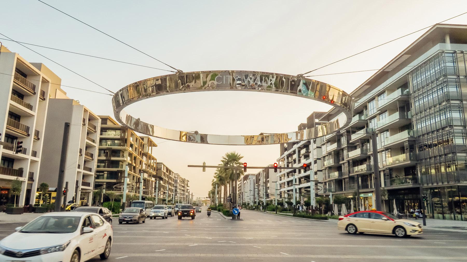 Orient Kreuzfahrt Taxi fahren in Dubai