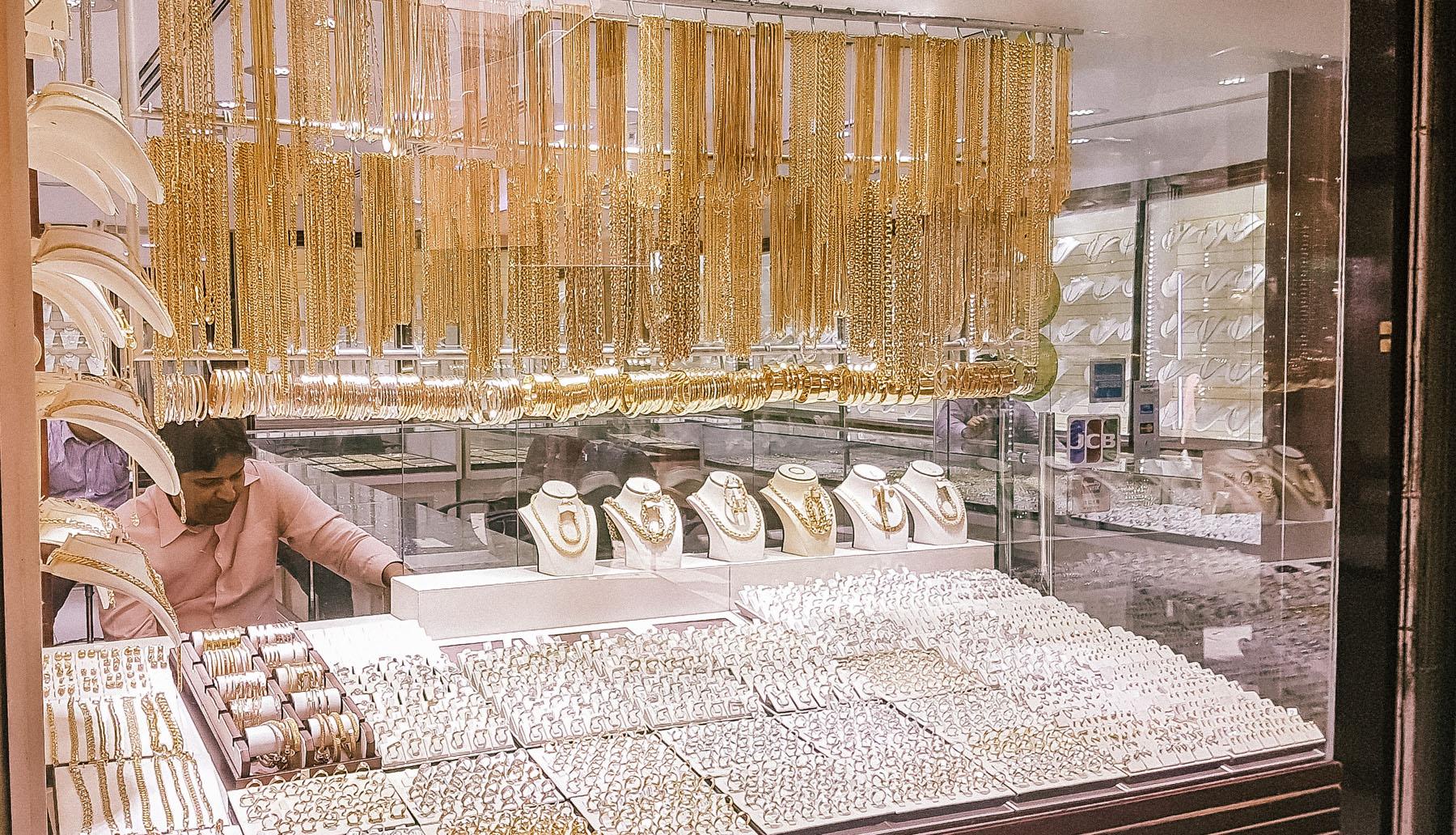 Orient Kreuzfahrt Dubai Gold Souk Ketten