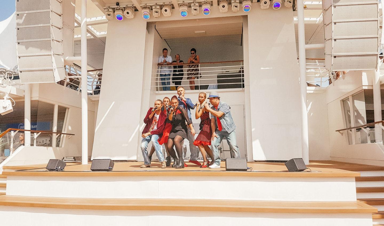 Orient Kreuzfahrt Mein Schiff Crew Entertainment Show