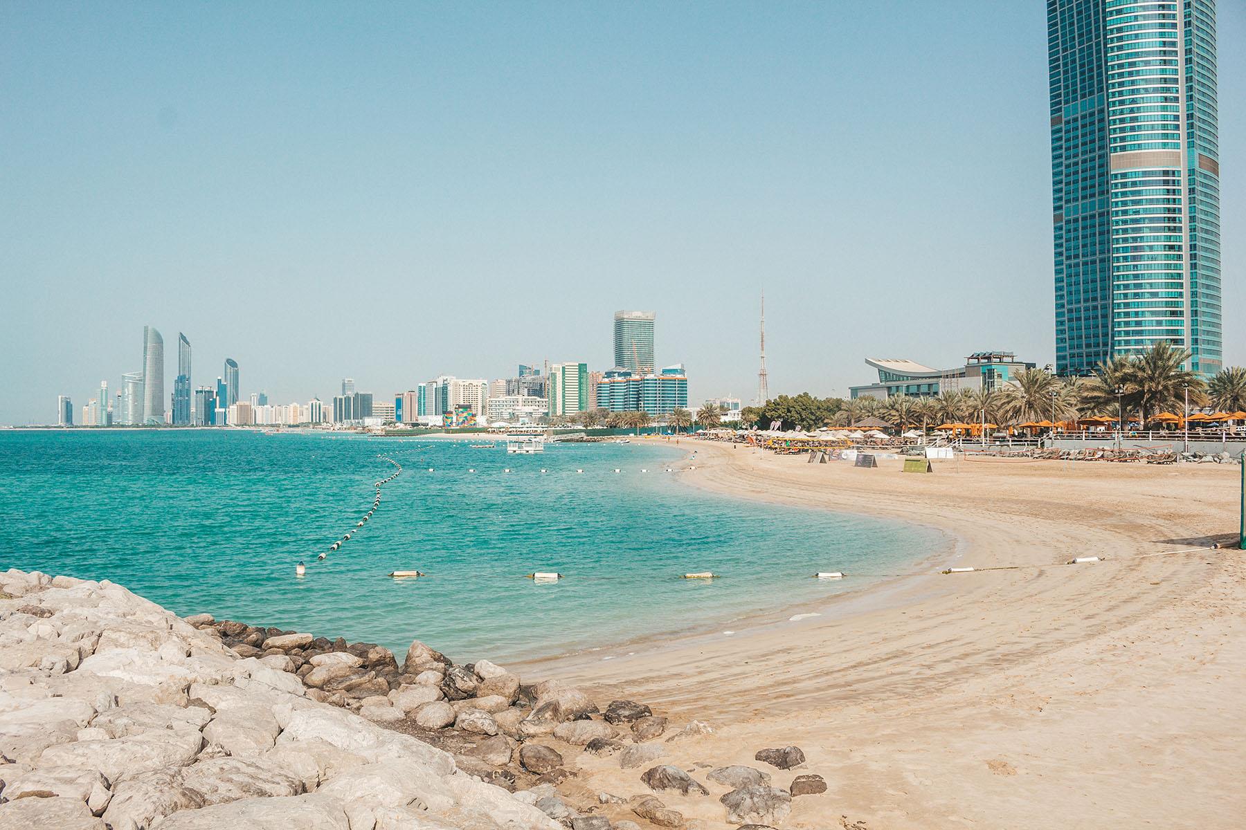 Orient Kreuzfahrt Abu Dhabi Corniche Beach