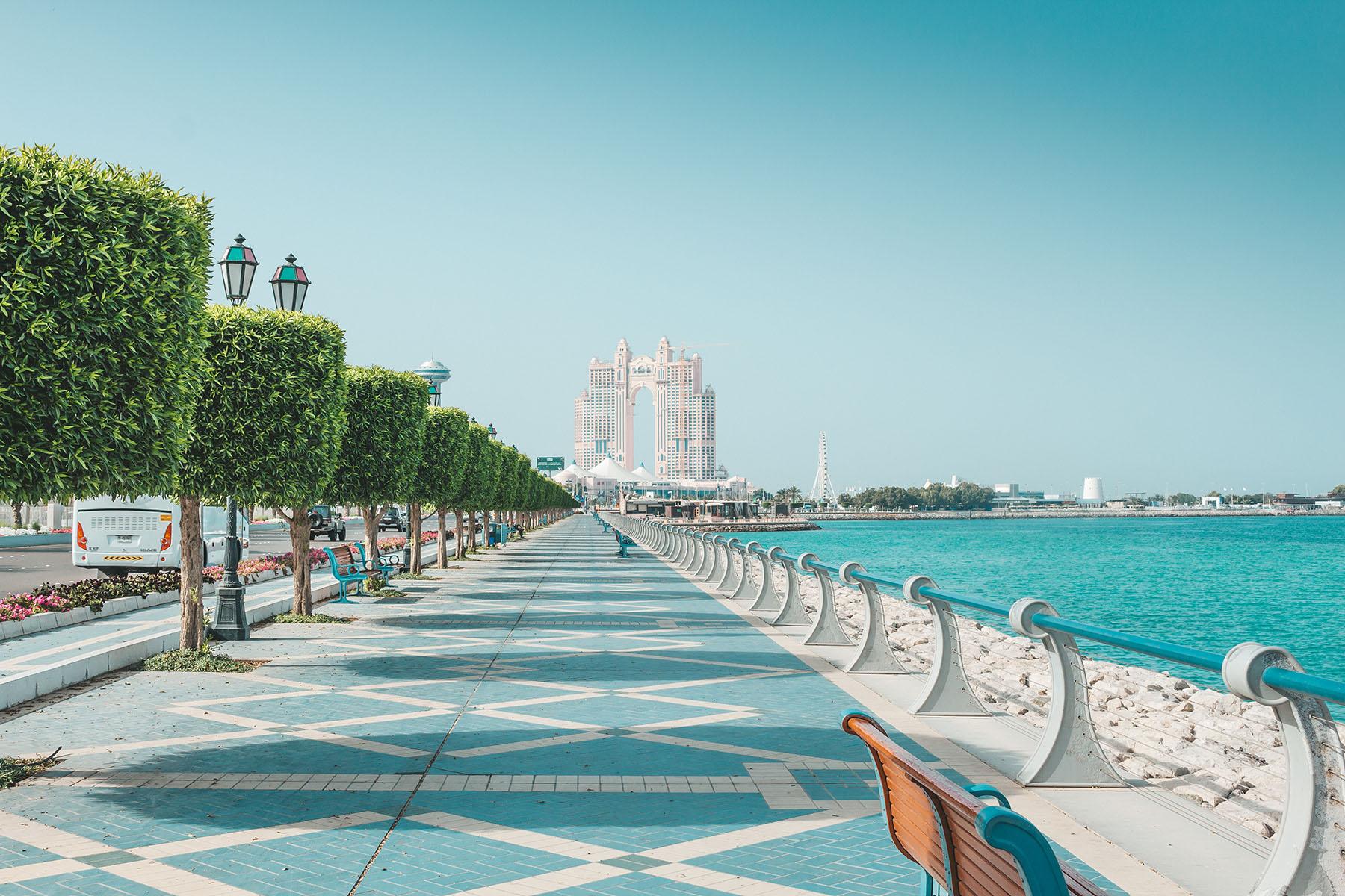 Orient Kreuzfahrt Abu Dhabi Corniche