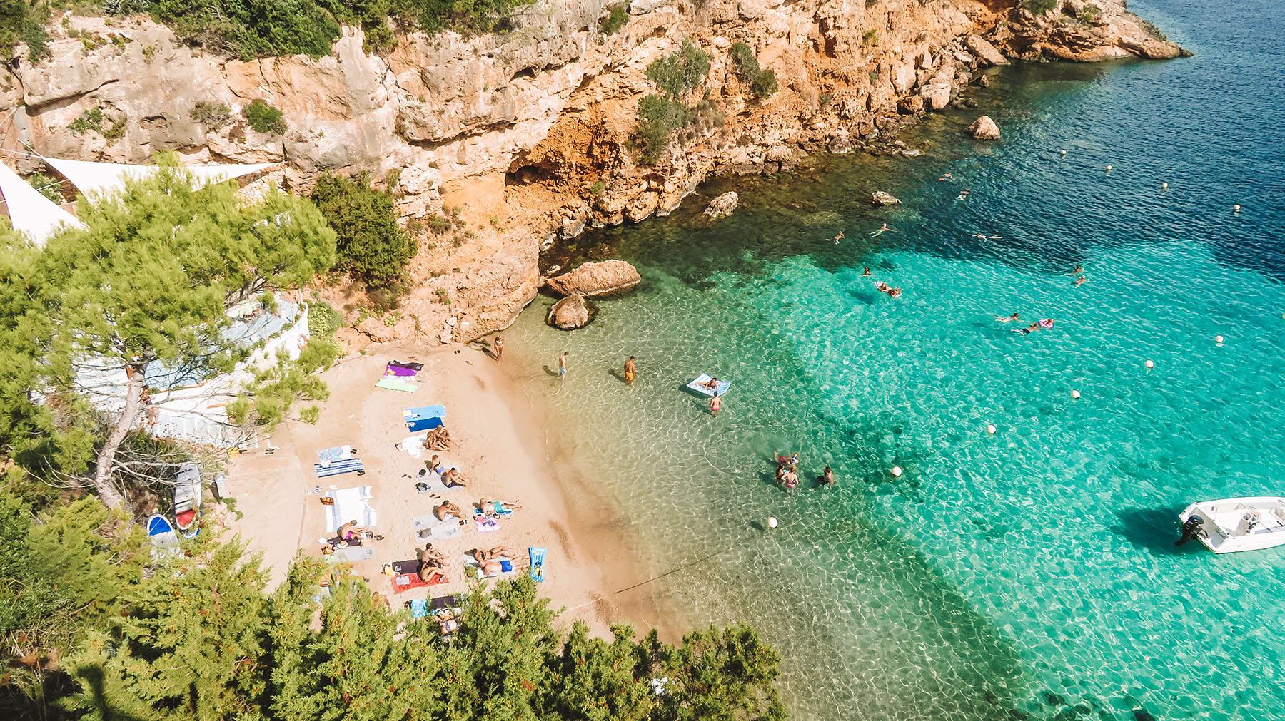 Beach Club Hotel Portinatx Bucht Aussicht