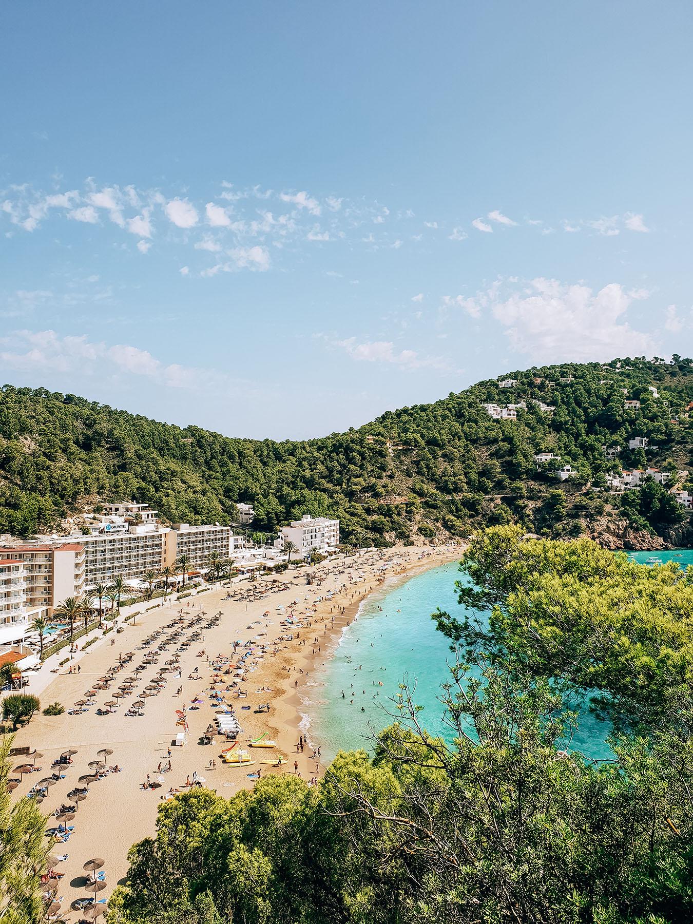 Cala Sant Vicent Ibiza Strand Aussicht