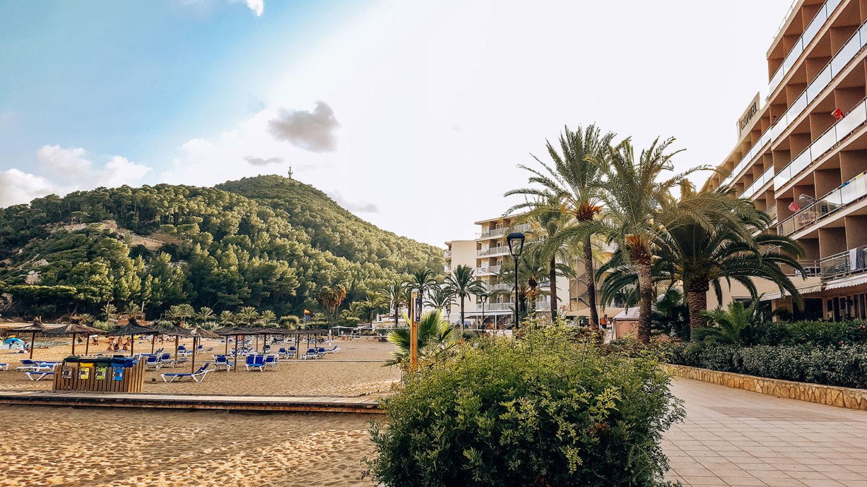 Cala Sant Vicent Ibiza Strand Promenade