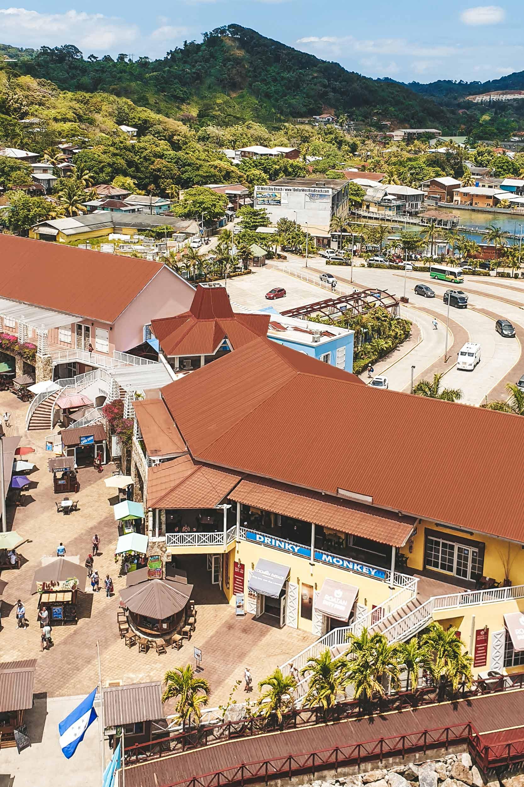 Mittelamerika-Kreuzfahrt-Roatan-Honduras-Hafen-Ausblick