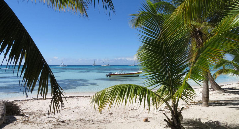 Dominikanische Republik Strand unbearbeitetes Foto